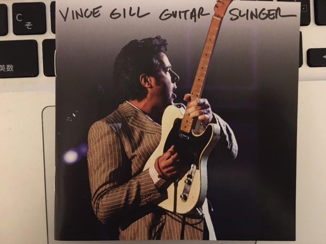 普段カントリーを聴かない人でも楽しめそうなアルバム Vince Gill 「Guitar Slinger」