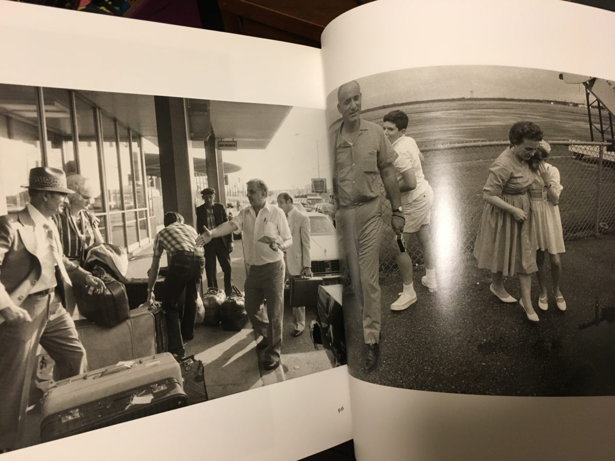出会いと別れの季節に 「Arrivals & Departures The airport pictures of Garry Winogrand」