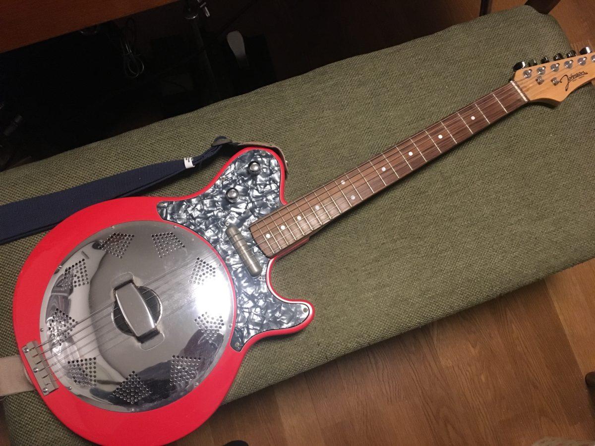 出自不明のリゾネーターギター