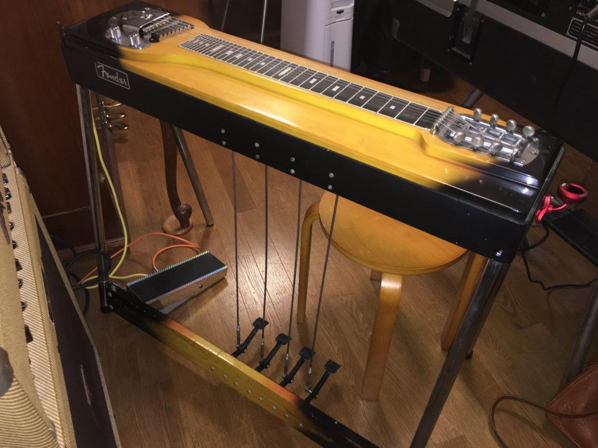どのようなチューニングにすべきなのか、Fenderの8弦