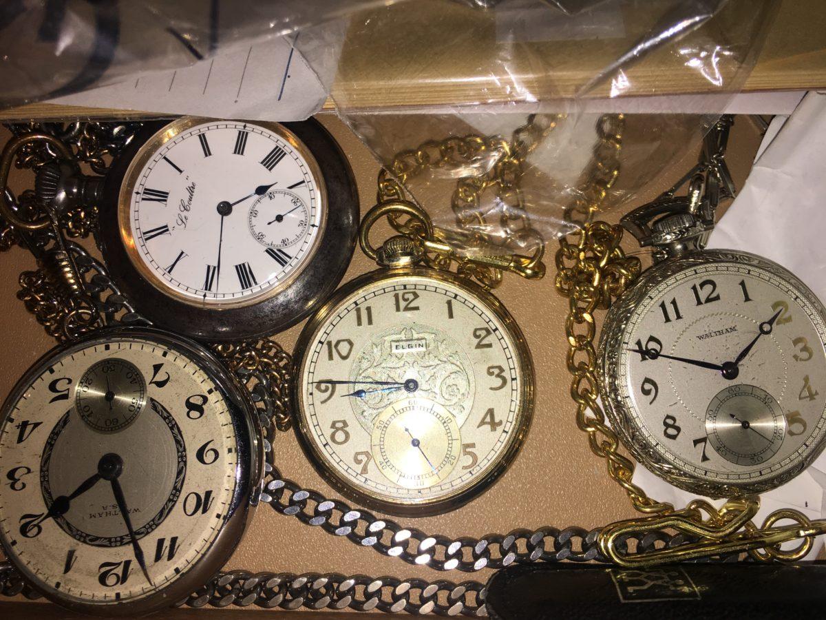 オーバーホールが必要な懐中時計